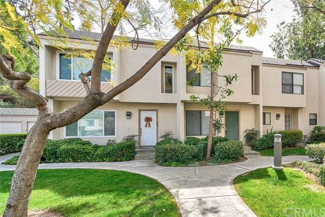 209 N Singingwood Street #13, Orange, CA 92869 (#PW20039207) :: Mainstreet Realtors®