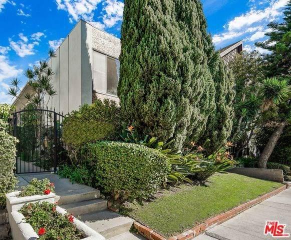 1288 Barry Avenue, Los Angeles (City), CA 90025 (#20558862) :: Veléz & Associates