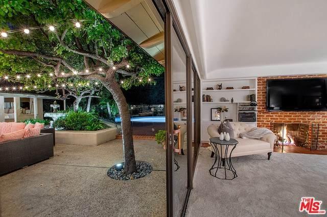 1831 Old Orchard Road, Los Angeles (City), CA 90049 (#20557134) :: Veléz & Associates