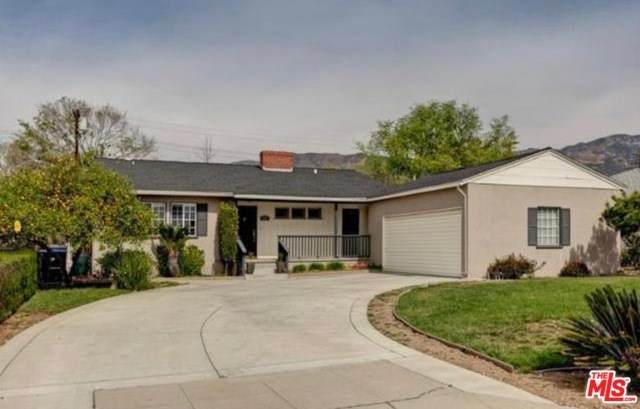 885 Chevron Court, Pasadena, CA 91103 (#20559878) :: The Brad Korb Real Estate Group