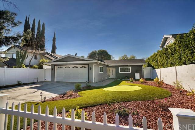 5625 Ventura Canyon Avenue, Valley Glen, CA 91401 (#SR20047349) :: Fred Sed Group