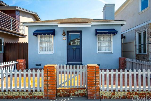 52 The Colonnade, Long Beach, CA 90803 (#PW20048548) :: Case Realty Group