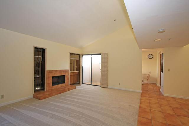 460 E Club Drive, Palm Springs, CA 92262 (#219040301PS) :: The Costantino Group | Cal American Homes and Realty