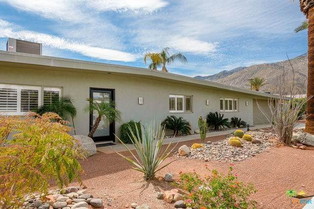 1237 Pasatiempo Road, Palm Springs, CA 92262 (#20559240) :: RE/MAX Masters