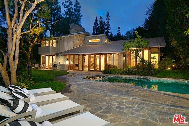 1238 Benedict Canyon Drive, Beverly Hills, CA 90210 (#20563152) :: Crudo & Associates