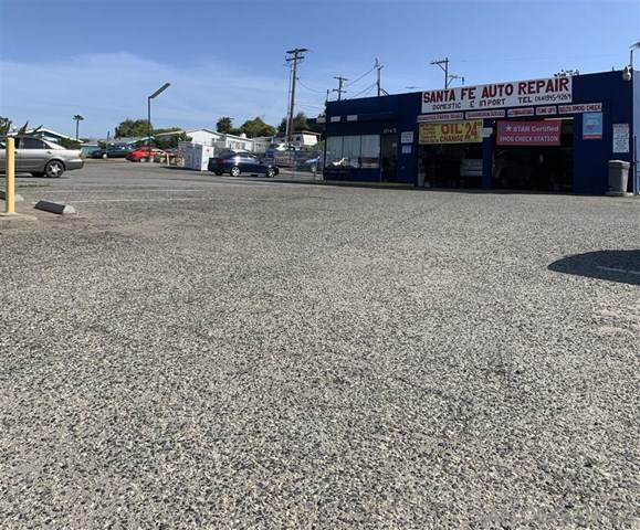 1045 Santa Fe Ave - Photo 1