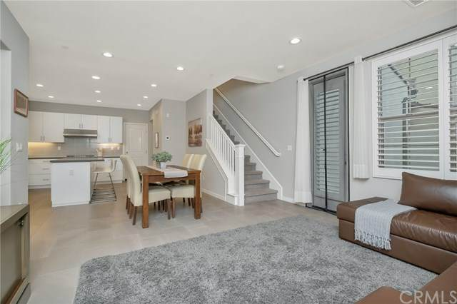82 Tallowood, Irvine, CA 92620 (#PW20055845) :: Berkshire Hathaway HomeServices California Properties