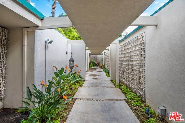 1140 Loma Vista Drive - Photo 1