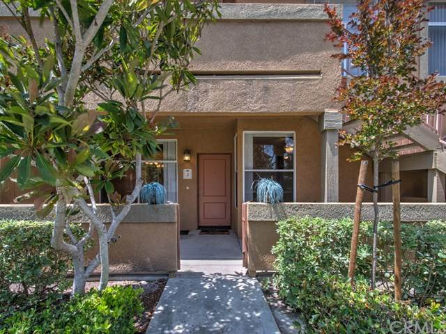19431-59J Rue De Valore 59J, Lake Forest, CA 92610 (#OC20061543) :: RE/MAX Masters