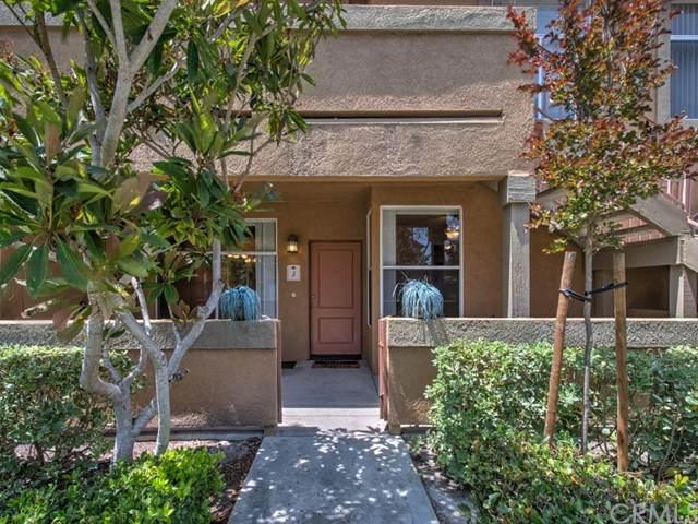 19431-59J Rue De Valore 59J, Lake Forest, CA 92610 (#OC20061543) :: Berkshire Hathaway HomeServices California Properties