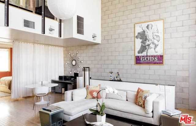 717 N Cahuenga B2, Los Angeles (City), CA 90038 (#20566050) :: Z Team OC Real Estate