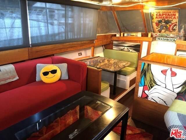 4333 Admiralty Way, Marina Del Rey, CA 90292 (#20566110) :: Crudo & Associates