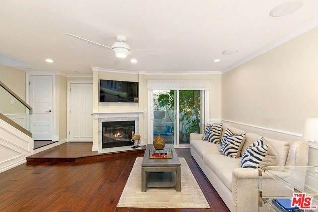 129 Alta #10, Santa Monica, CA 90401 (#20566410) :: Better Living SoCal
