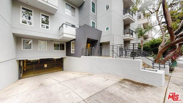 1176 Wellesley Avenue #203, Los Angeles (City), CA 90049 (#20564466) :: Case Realty Group