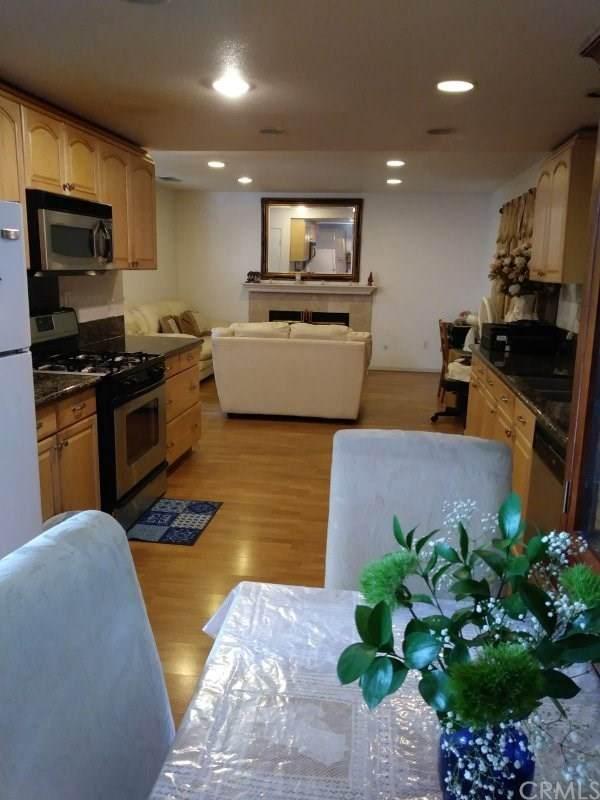 3152 Park Vista Drive, Rialto, CA 92376 (#CV20062834) :: Mainstreet Realtors®