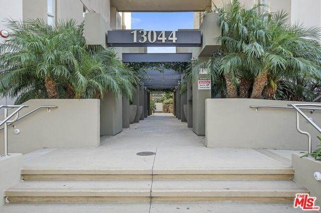 13044 Pacific Promenade #108, Playa Vista, CA 90094 (#20567084) :: Team Tami