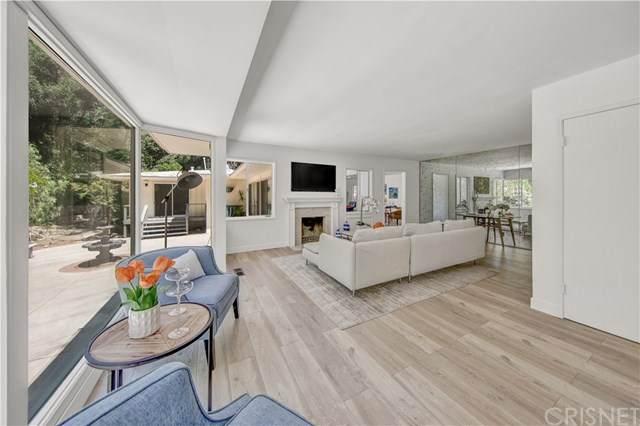 1630 Wabasso Way Way, Glendale, CA 91208 (#SR20064404) :: The Brad Korb Real Estate Group