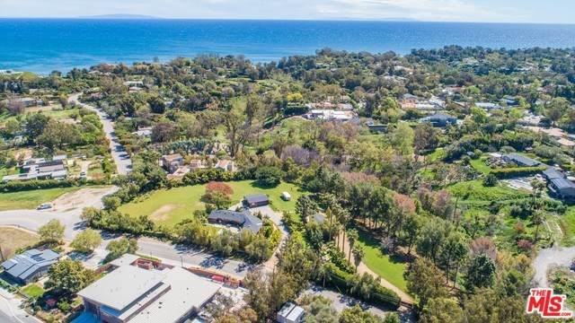6522 Wildlife Road, Malibu, CA 90265 (#20566238) :: Crudo & Associates