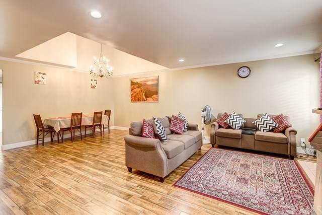 6 Sunflower #31, Irvine, CA 92604 (#OC20062896) :: Berkshire Hathaway HomeServices California Properties