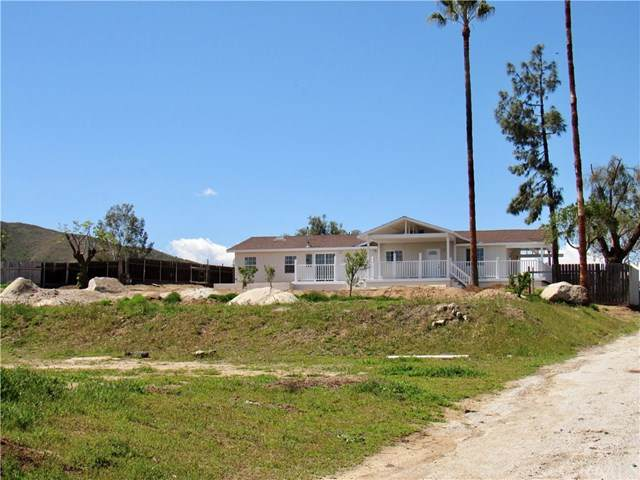 21231 Old Elsinore Road, Perris, CA 92570 (#SW20064819) :: American Real Estate List & Sell