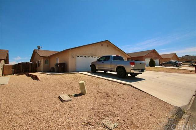 7237 Murray Lane, Yucca Valley, CA 92284 (#JT20065176) :: Go Gabby