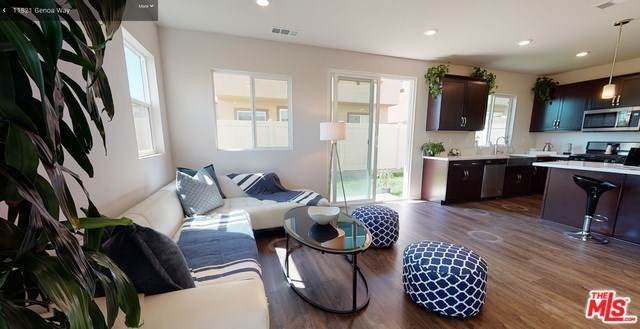 Los Angeles (City), CA 90047 :: Steele Canyon Realty