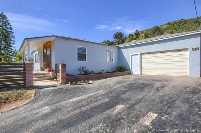8236 Sunset Rd, Lakeside, CA 92040 (#200015108) :: Steele Canyon Realty