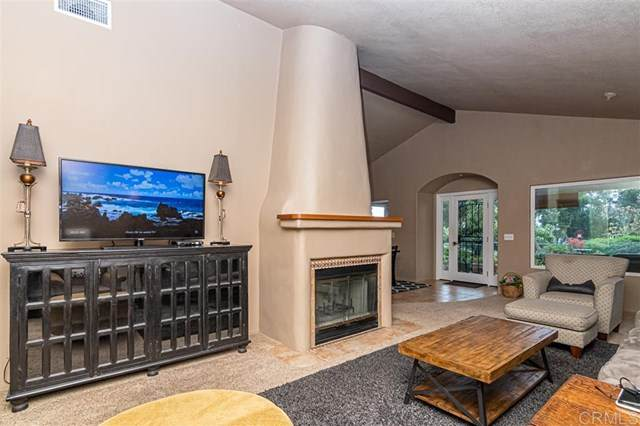 1058 Ridge Heights Dr, Fallbrook, CA 92028 (#200015221) :: A|G Amaya Group Real Estate