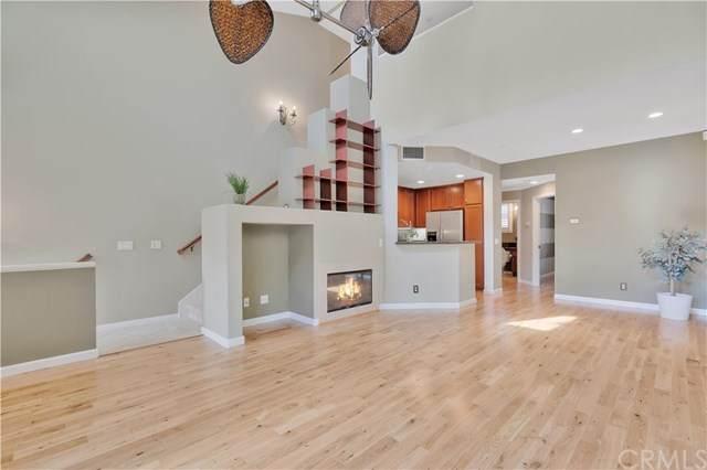 207 Danbrook, Irvine, CA 92603 (#CV20066190) :: Better Living SoCal