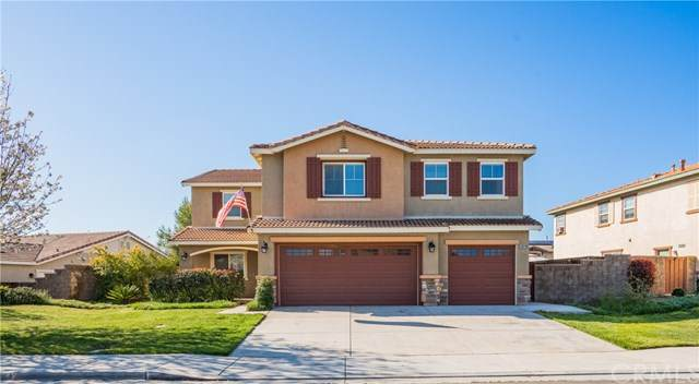 53019 Belle Isis Court, Lake Elsinore, CA 92532 (#CV20066558) :: The Ashley Cooper Team