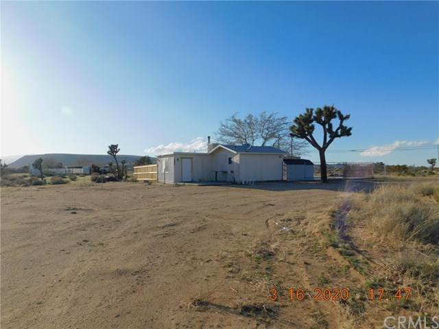 3220 Sage Avenue, Yucca Valley, CA 92284 (#JT20066423) :: Team Tami