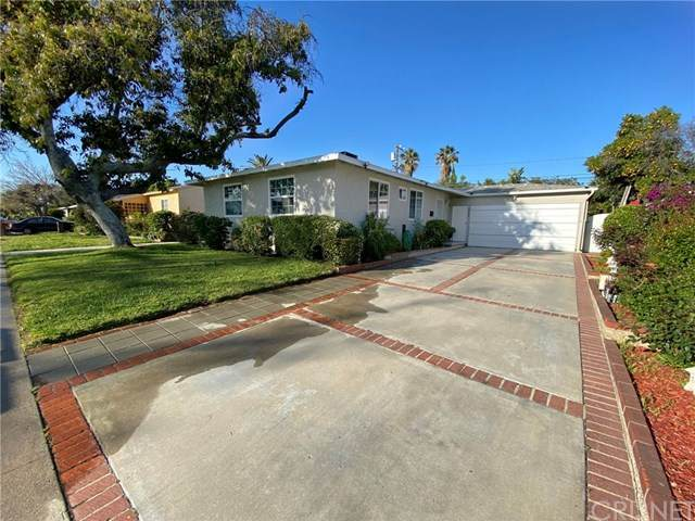 8634 Wakefield Avenue, Panorama City, CA 91402 (#SR20066143) :: Fred Sed Group