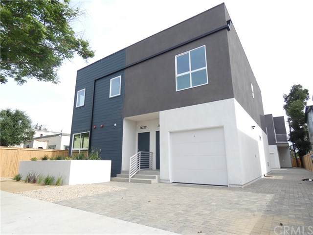 14252 Erwin Street, Van Nuys, CA 91401 (#BB20067201) :: The Brad Korb Real Estate Group