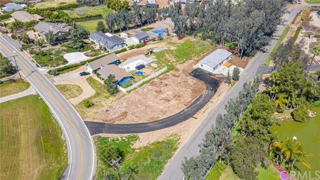 2112 Winterhaven Road, Fallbrook, CA 92028 (#SW20068145) :: A|G Amaya Group Real Estate