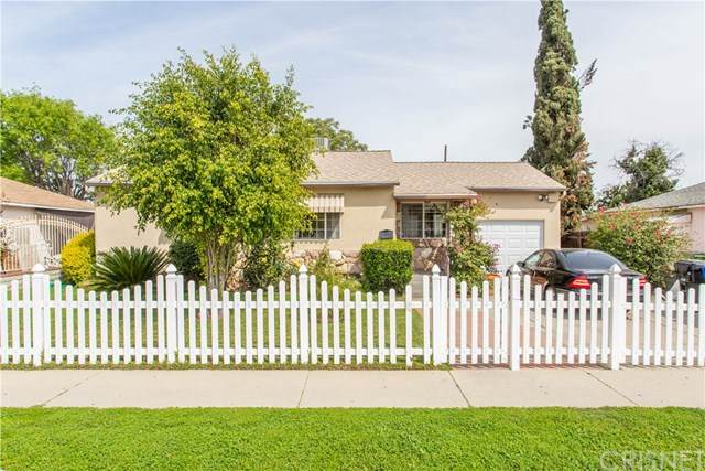 8026 Tilden Avenue, Panorama City, CA 91402 (#SR20068067) :: Fred Sed Group