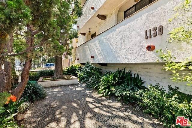1130 9TH Street #9, Santa Monica, CA 90403 (#20568212) :: Berkshire Hathaway HomeServices California Properties