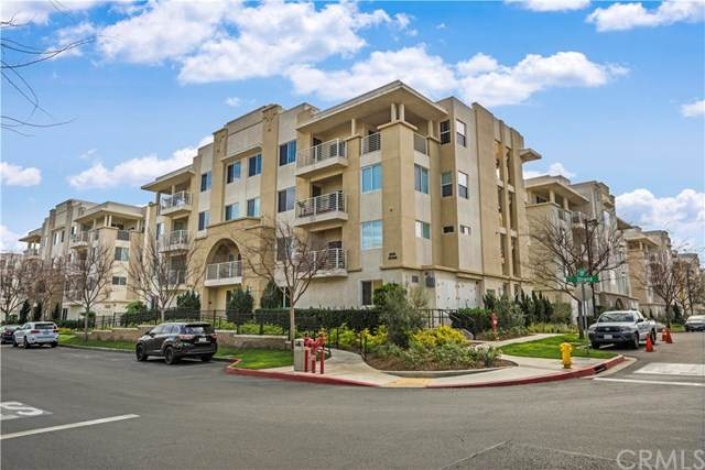 5450 Strand #302, Hawthorne, CA 90250 (#SB20041468) :: Frank Kenny Real Estate Team