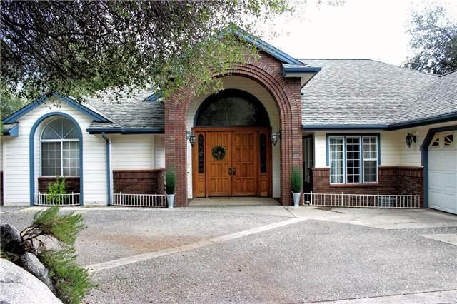 50072 Meadowview Drive, Oakhurst, CA 93644 (#FR20068722) :: Twiss Realty