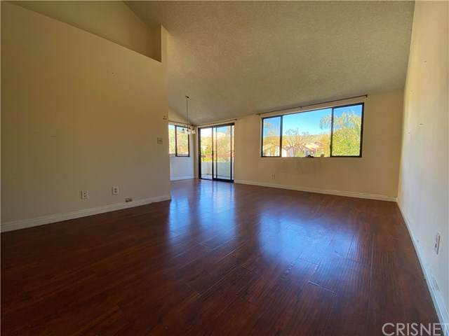 18065 Sundowner Way #610, Canyon Country, CA 91387 (#SR20068830) :: The Marelly Group | Compass