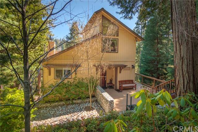 26637 Lake Forest Drive, Lake Arrowhead, CA 92391 (#EV20069043) :: The Brad Korb Real Estate Group
