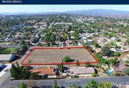 907 Elder, Fallbrook, CA 92028 (#PI20069239) :: A|G Amaya Group Real Estate