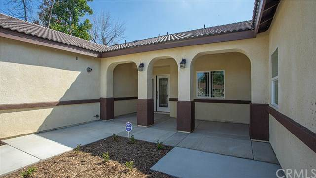 853 Jackson Street, Colton, CA 92324 (#IV20069154) :: Mark Nazzal Real Estate Group
