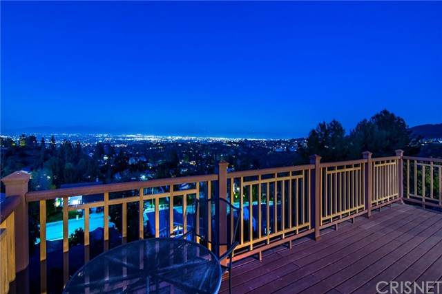 3818 Gleneagles Drive, Tarzana, CA 91356 (#SR20067348) :: Berkshire Hathaway HomeServices California Properties