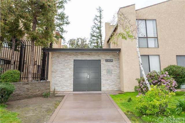 22038 Vanowen Street #212, Woodland Hills, CA 91303 (#SR20070254) :: Crudo & Associates
