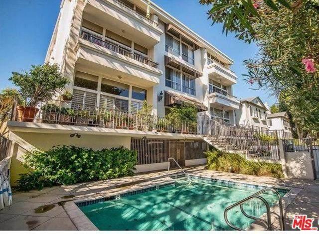511 San Vicente #301, Santa Monica, CA 90402 (#20569646) :: Berkshire Hathaway HomeServices California Properties