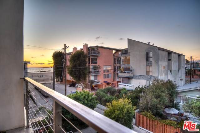 20 Ironsides Street #16, Marina Del Rey, CA 90292 (#20569816) :: eXp Realty of California Inc.