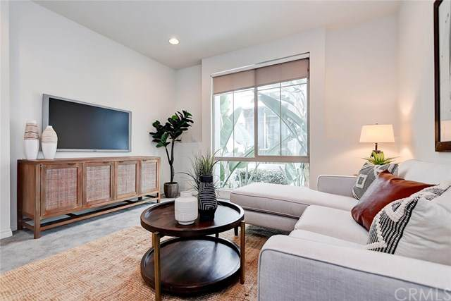 12921 Mission Avenue #105, Hawthorne, CA 90250 (#SB20070159) :: Rose Real Estate Group