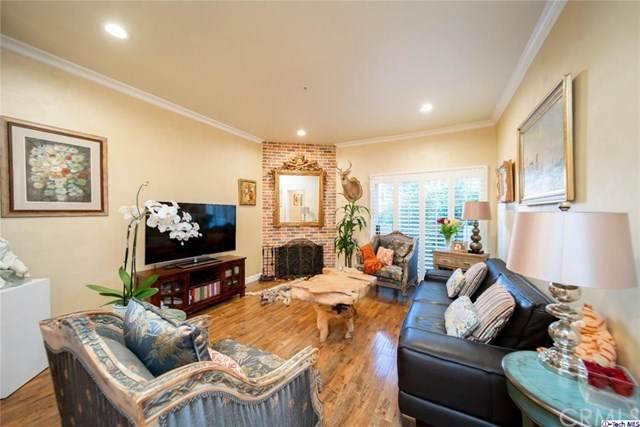 10604 Valley Spring Lane #203, Toluca Lake, CA 91602 (#320001326) :: The Brad Korb Real Estate Group