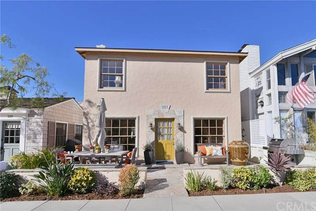 221 Sapphire Avenue, Newport Beach, CA 92662 (#CV20073986) :: Better Living SoCal