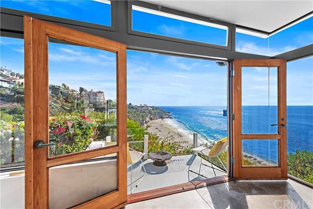 32033 Point Place, Laguna Beach, CA 92651 (#OC20074029) :: The Brad Korb Real Estate Group
